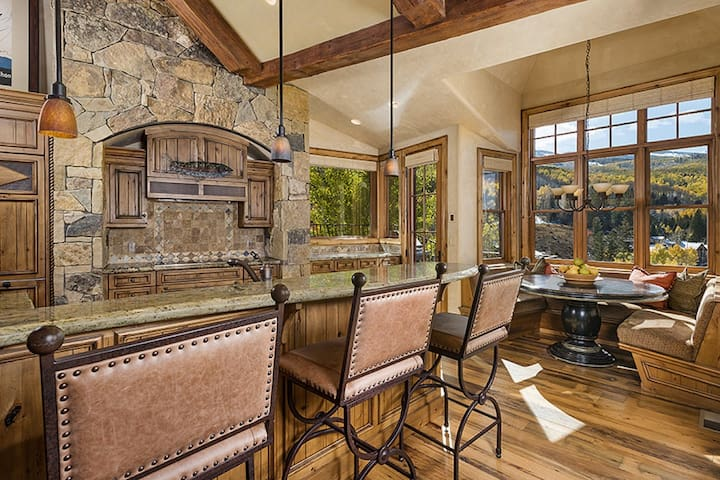 Snowmass 4 Bedroom Pine Crest Ski Access To Slopes
