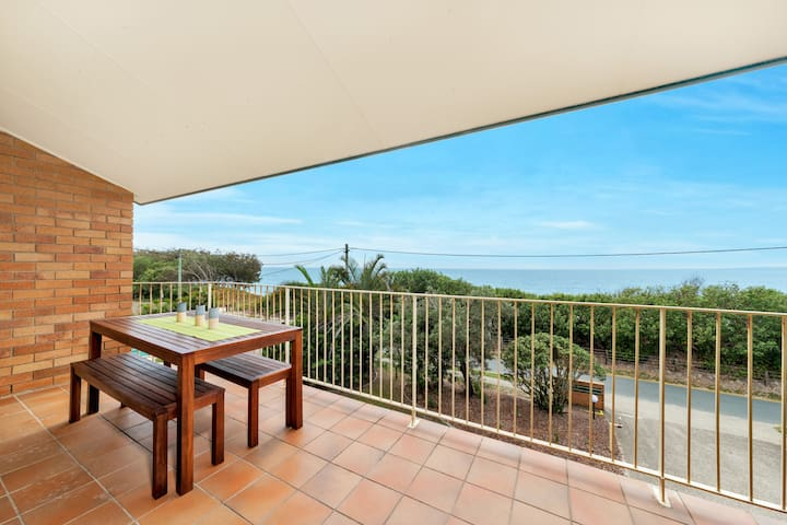 GREAT UNIT WITH OCEAN VIEWS
