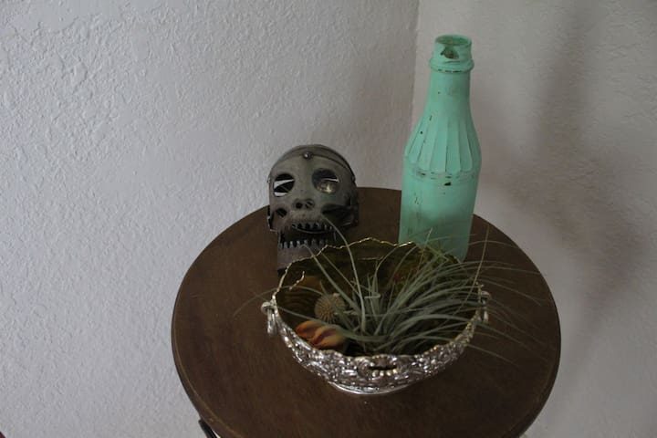 Metal sculpture by local artist Frank Strunk III // air plant from O'Berry Succulents