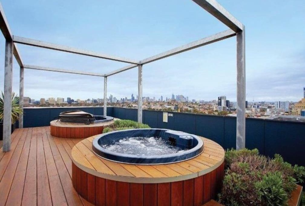 Access to 2 hot tubs on the rooftop (level 12)