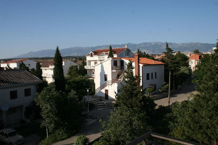 Two bedroom apartment with terrace Novalja (Pag) (A-213-e)