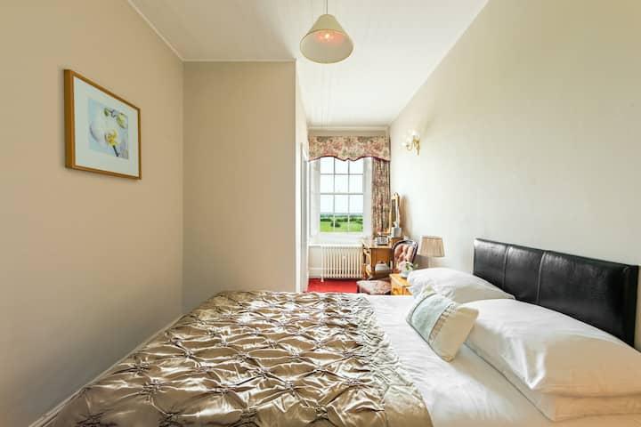 Standard Single @Greenhill Hotel