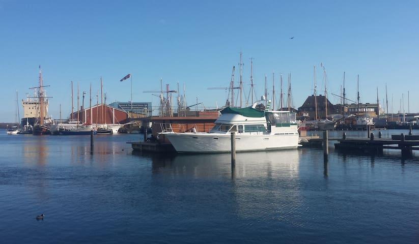 Sommerhus på vandet - midt i Svendborg
