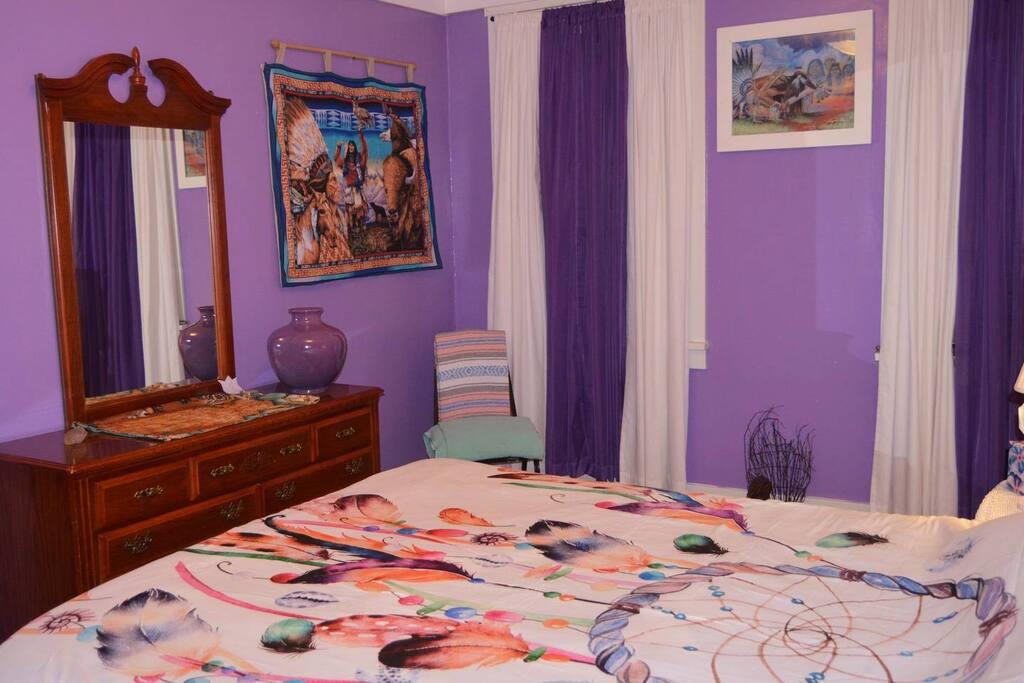Bedroom 1 (1 Queen bed, 1-2 guest capacity, second floor)