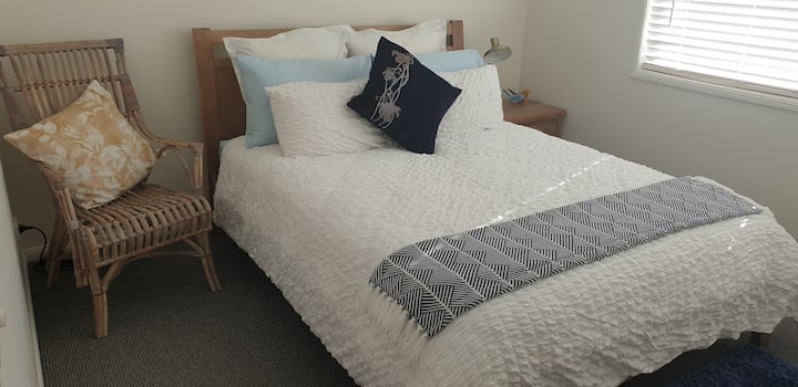 Standard Room , Queen bed, A/C,  private bathroom