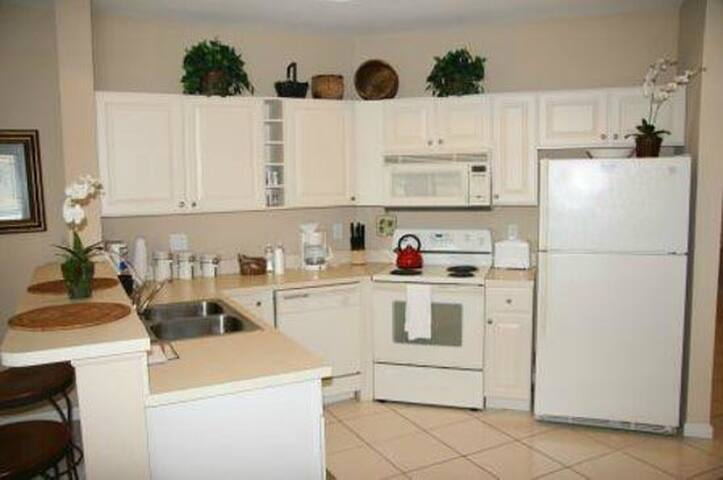 Top Condo at PGA Village - Port St. Lucie - Flat