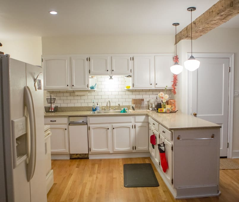 clean, fully furnished kitchen