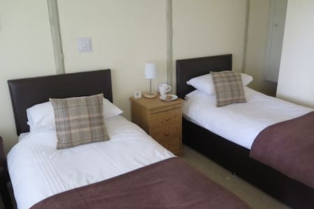 Symonds Yat Rock Lodge B&B Twin - Hillersland - Bed & Breakfast