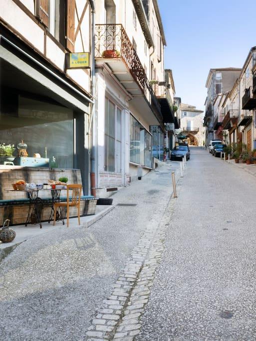 Terrace et vue rue Sainte Pierre