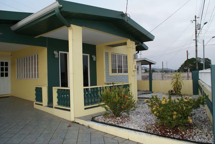 JoJo's Place - Macoya - House