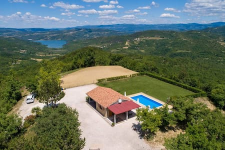 Charming Casa Ivan with pool and nice view