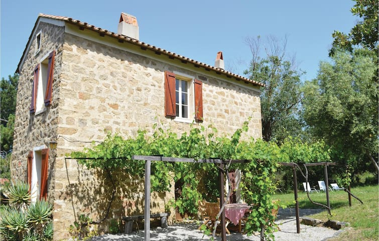 Holiday cottage with 2 bedrooms on 110m² in Coti Chiavari