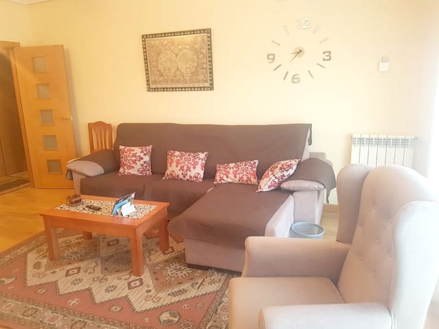 Apartment with 4 bedrooms in Cuenca, with wonderful mountain view, shared pool, terrace - 250 km from the beach
