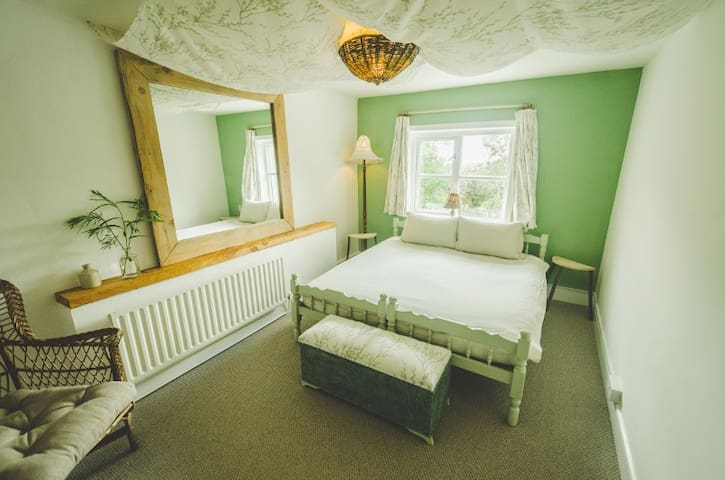 The Botanical B&B - The Willow Room (Double/Twin)