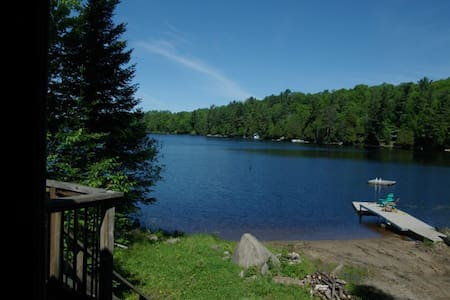 Sun-soaked Sandy Beach Cottage - Magnetawan - Zomerhuis/Cottage