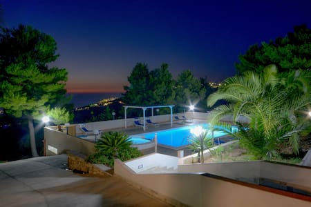 VillaNicoletta,cam.matrimoniale piscina vista mare - Peschici