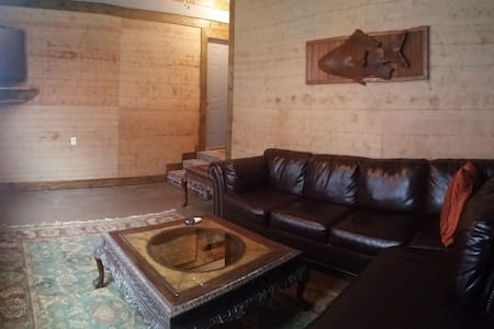 Nice, clean, furnished apt in Cotton District! - Starkville - Lägenhet