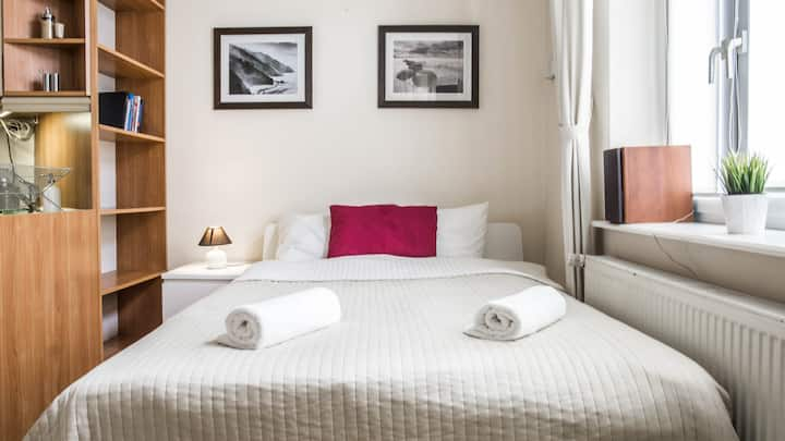 Studio 1 min to city center and 3 to the beach