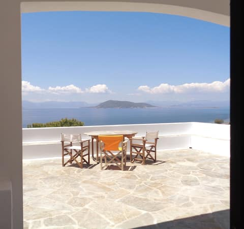 Holiday cottage 1Km from the beach, isle of Aegina