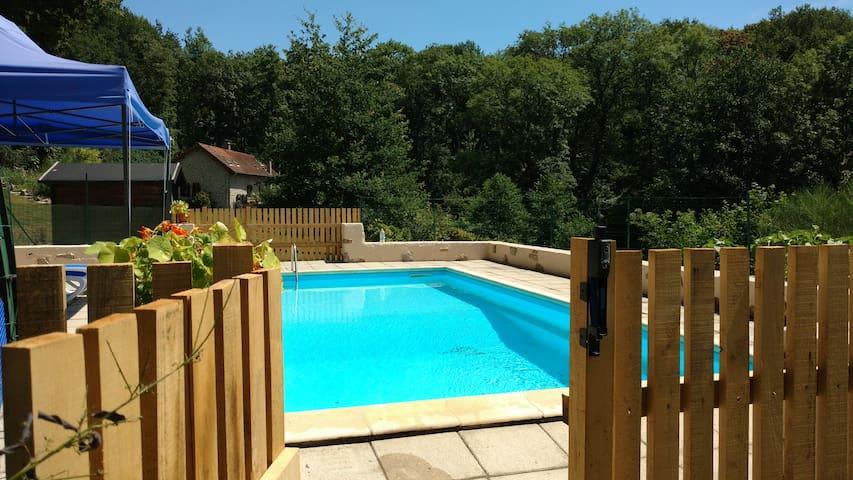 Pretty Limousin gite with private pool.