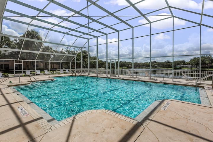 Quaint, dog-friendly condo w/ access to shared pool!