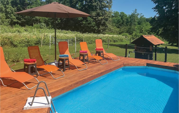 Holiday cottage with 1 bedroom on 58m² in Vrbovec