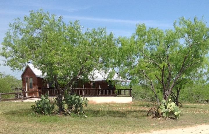 Little Cabin on Rose Hill, 30 min from San Antonio