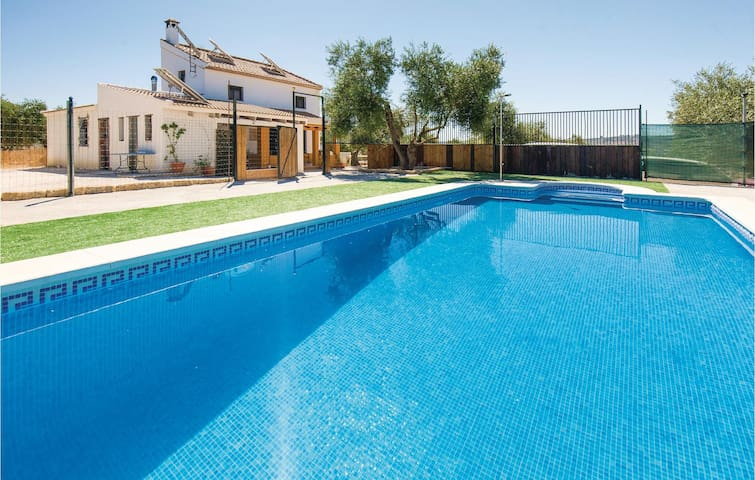 Holiday cottage with 4 bedrooms on 103m² in Puebla de los Infantes