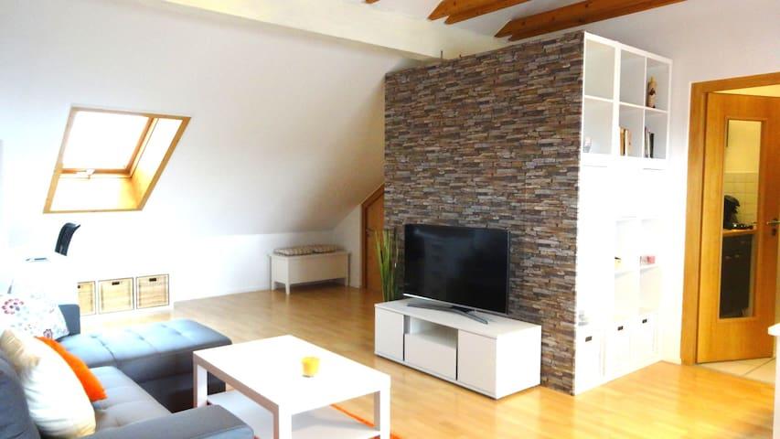 Moderne Dachterrassenwohnung mit tollem Ausblick - Gerzen - Pis