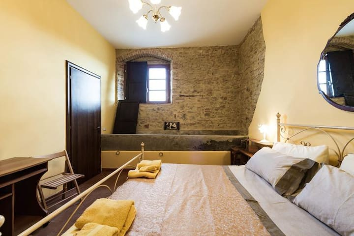 Rural Hilltop Room - San Gimignano - Appartement