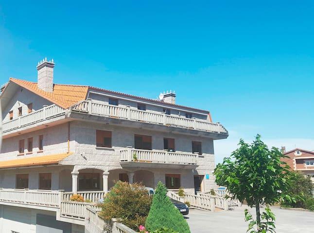 Apartamentos cerca  Camino de Santiago a Fisterra - O Logoso