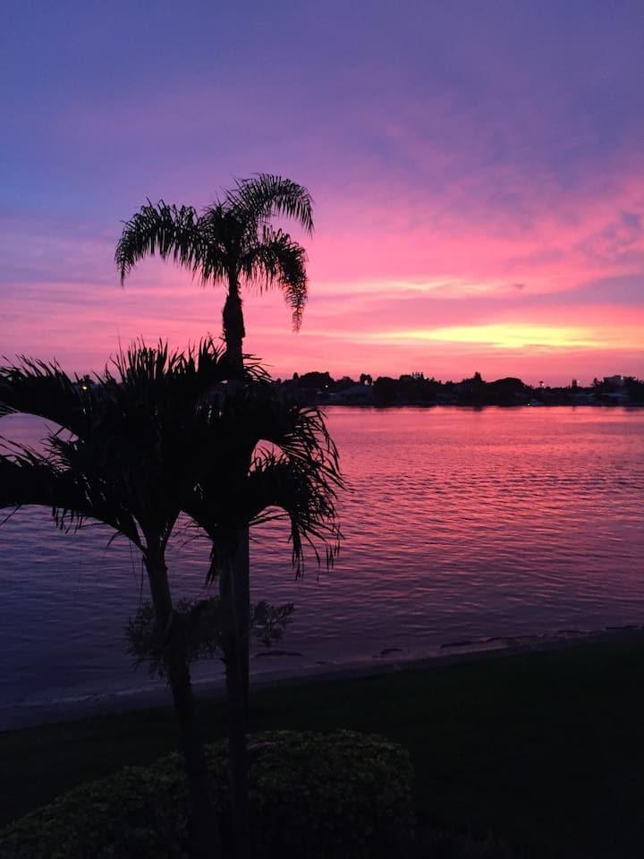 Isla Del Sol Bahia Vista Balcony! Sunsets!