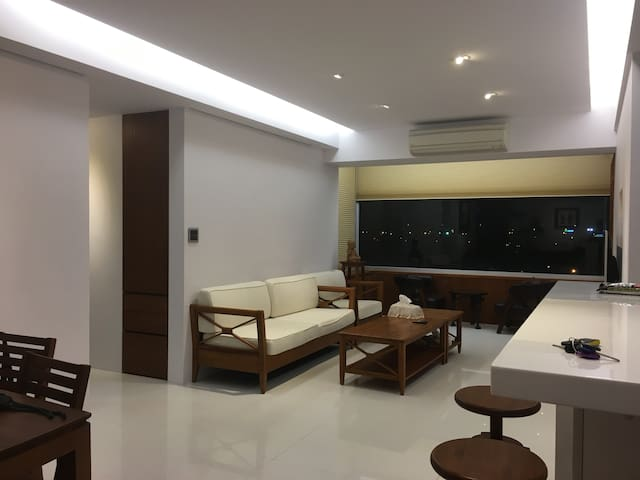 Spacious, Clean, and Beautiful Apartment