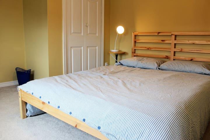Hi Tides Hostel - Private Room 5 - Double Room - Twillingate - Hostal