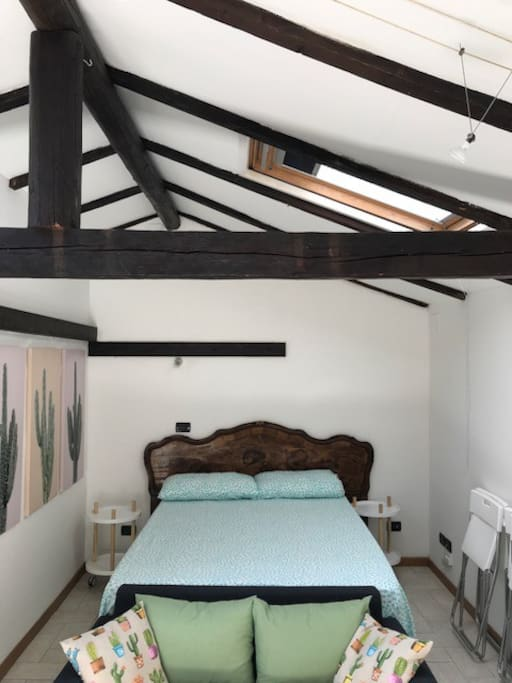 Cozy wood-beam roof