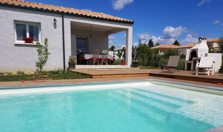 Villa 6 couchages clim, piscine 10x4, jardin 700 m