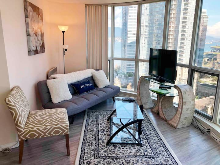 Luxurious Coal Harbour Downtown with Ocean views