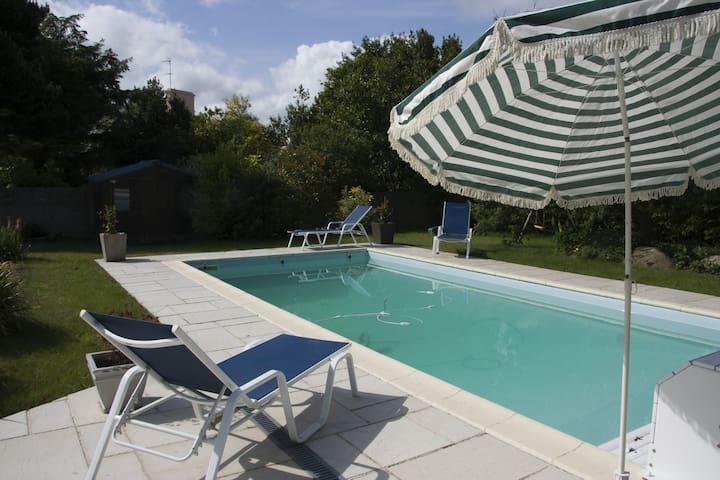 villa, piscine privee, jardin clos. 2-4 pers
