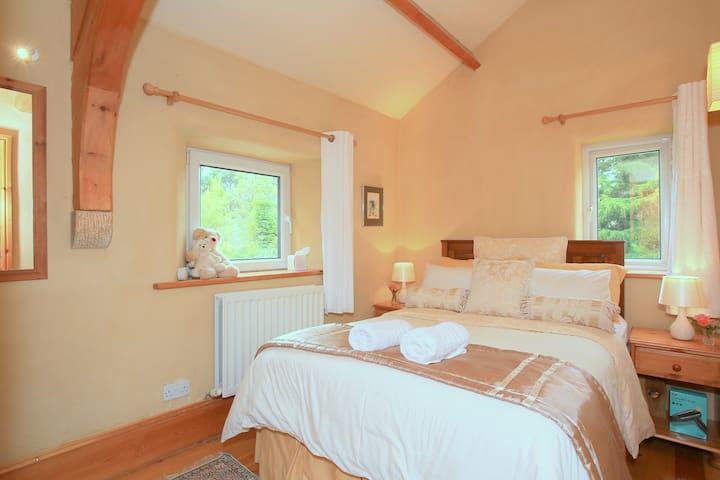 Bedroom 6 - Double New Building Bedroom (1 of 6 bedrooms)