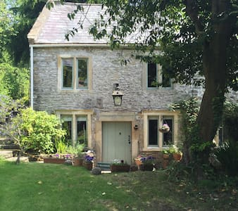 Picturesque cottage in the heart of Somerset - Casa