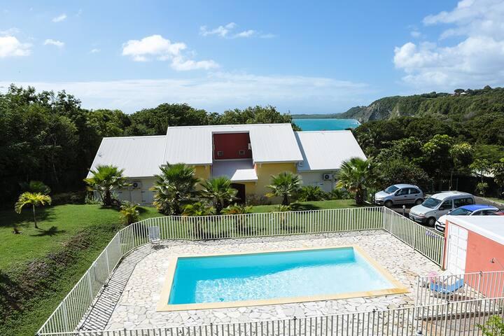 VillaT3 duplex clim, piscine, plage, crique à 200m - GP - Villa