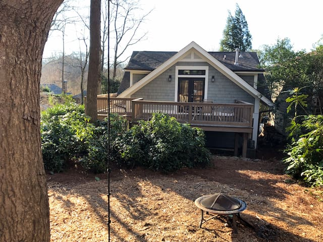 Intown Guest Cottage, Walk to MARTA