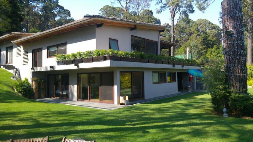 Amazing house in Avándaro, Valle de Bravo