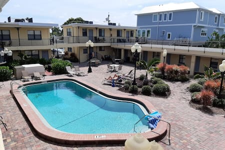 210 Redington Beach charmer/Great amenities//pool