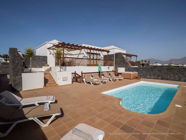 Luxury 5* 4 bedroom villa with 8m private pool - Playa Blanca - Villa