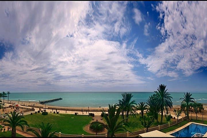 Playa:primera línea de mar+piscina+parking privado