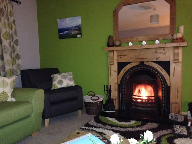 Malin, Donegal - 4 Double Bed Comfy Holiday Home
