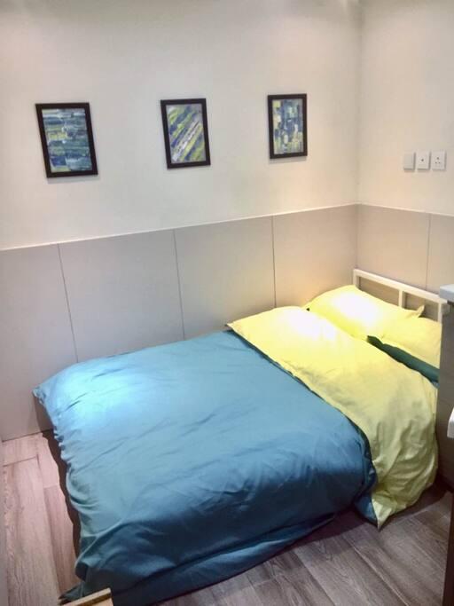 房間1 設雙人床