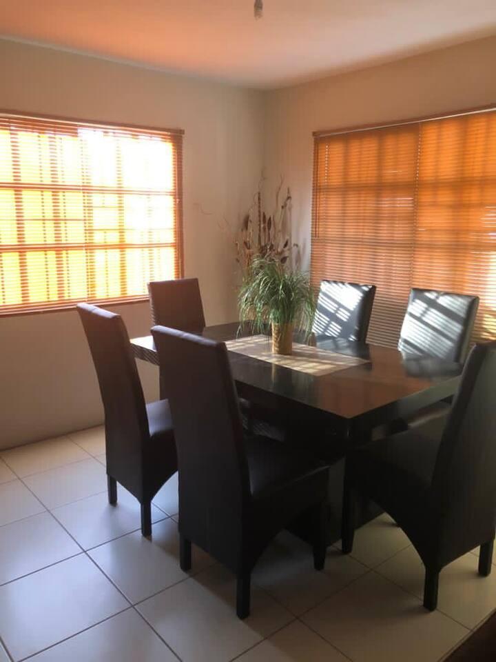 Casa en Villa Residencial con Alberca