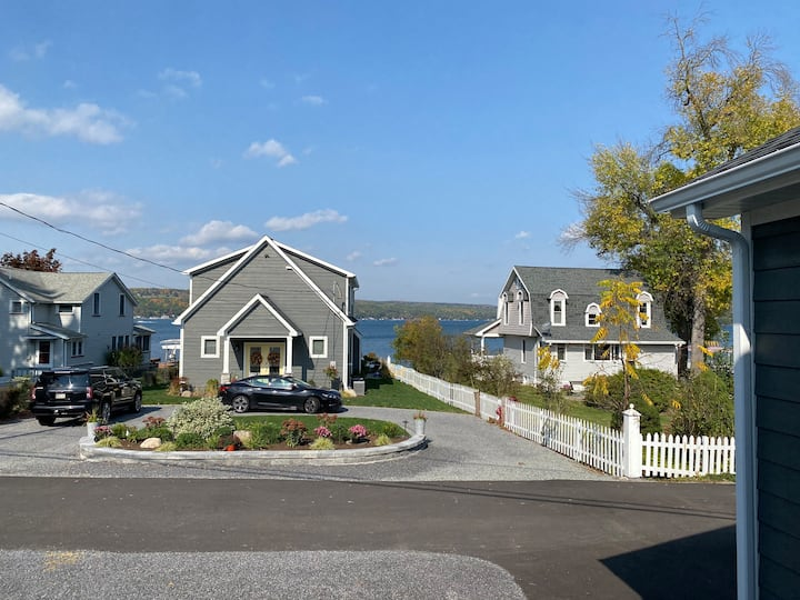 Finger Lakes & Wine Country with a Keuka Lake view